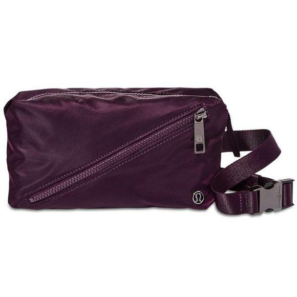 NWT Lululemon Fast Track Belt Bag, DKAD